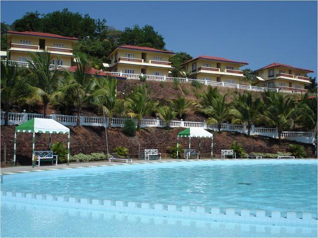 Indismart Woodbourne Resort