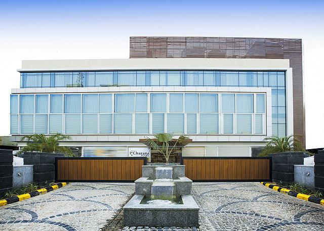 Hotel Charans Plaza