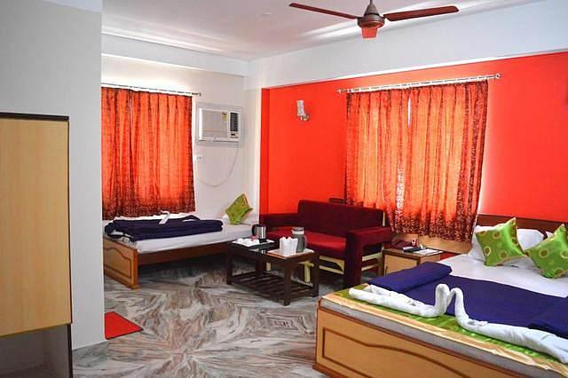 Hotel Vinayak Inn & Banquets