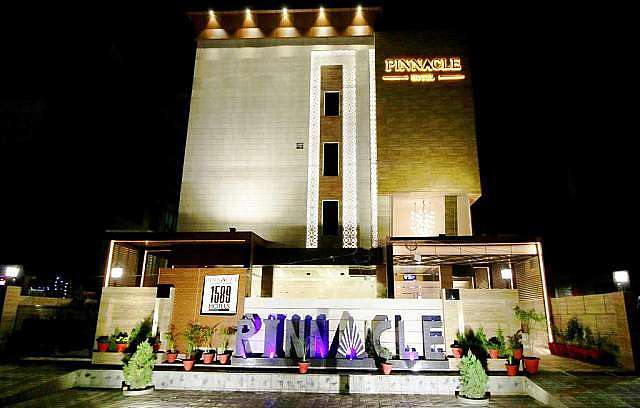 Pinnacle By 1589 Hotels