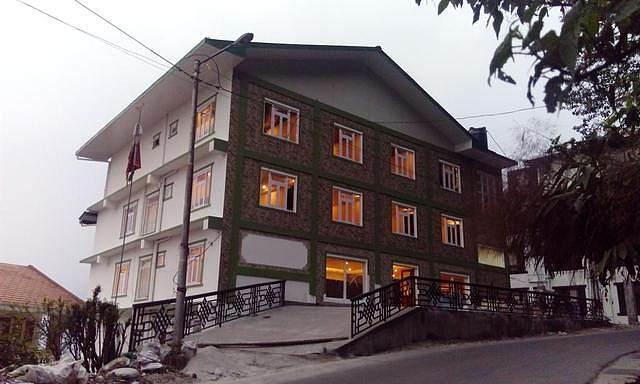 Daizzo Maple Residency