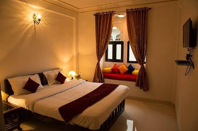 Hotel Nahar Garh Palace