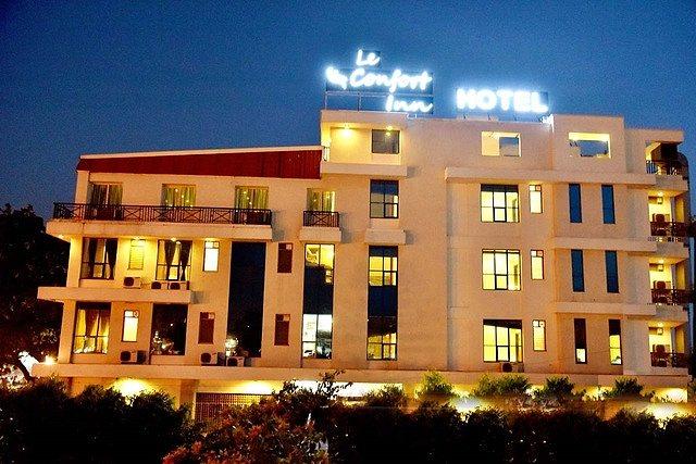 Le Amour Inn