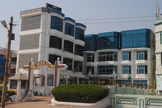 Hotel Puri Beach Resort