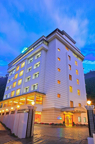 Clouds Valley Leisure Hotel
