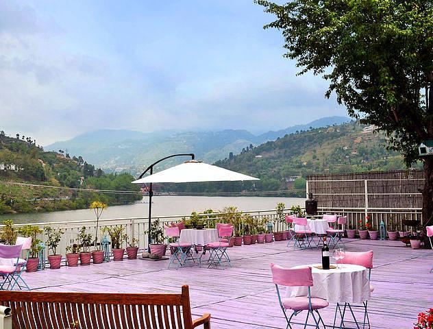 Fishermen's Lodge Bhimtal - Lake Facing Hotel