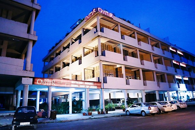 Hotel Oyster - City Centre Sector 17