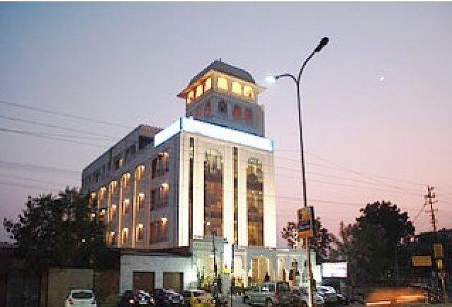Raghu Mahal Hotels