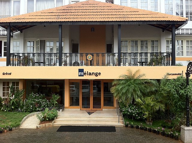 Melange Luxury Serviced Apartment