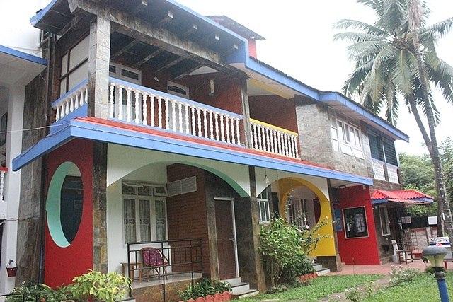 Peravel Beach Holiday Home