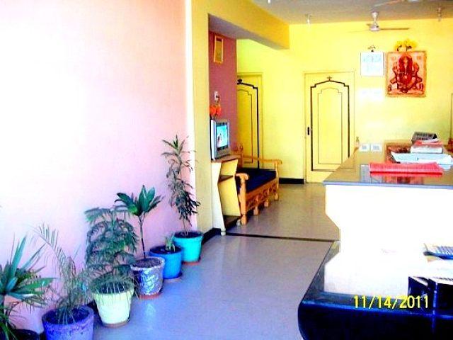 OYO 5239 Hotel Satya Shree