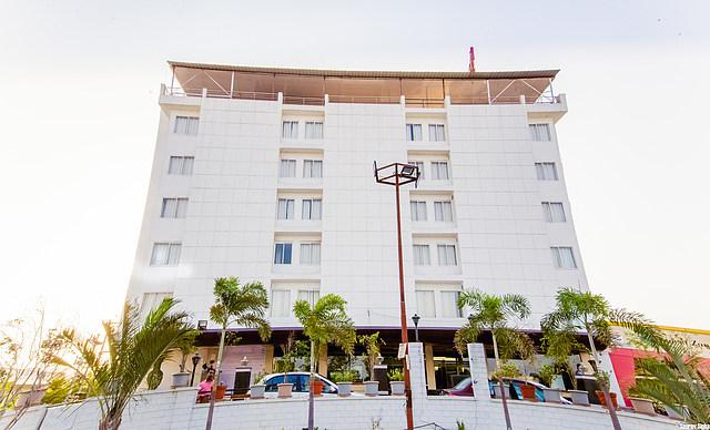 Papaya Tree Hotel