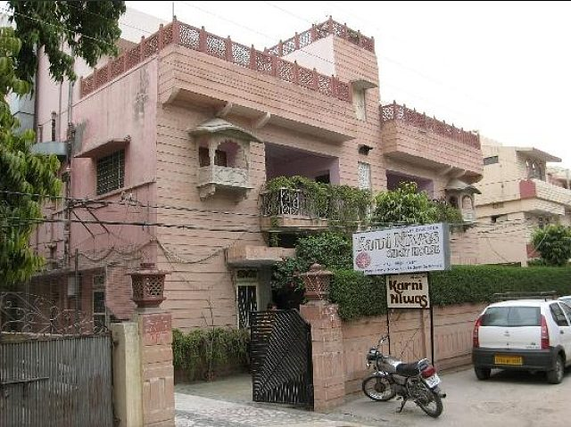 Karni Niwas Hotel