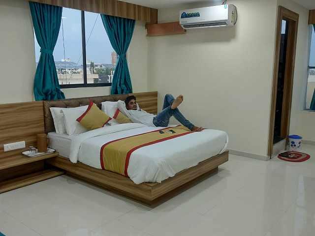 Hotel Rest & Ride