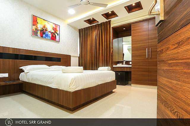 HOTEL SRR GRAND (Vandalur)