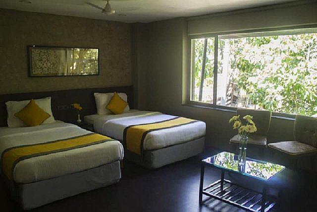Hotel Dhans