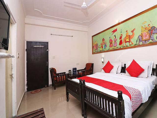 OYO 41154 Rudraksh Palace