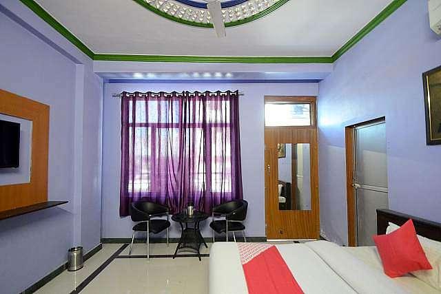 OYO 19451 Hotel Blue Moon