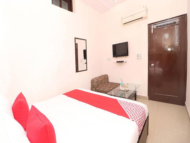 OYO 12664 Hotel Kailash Regency
