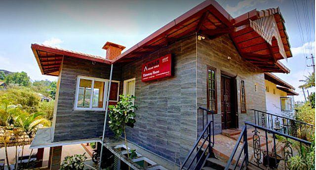 Omatra Chimney House