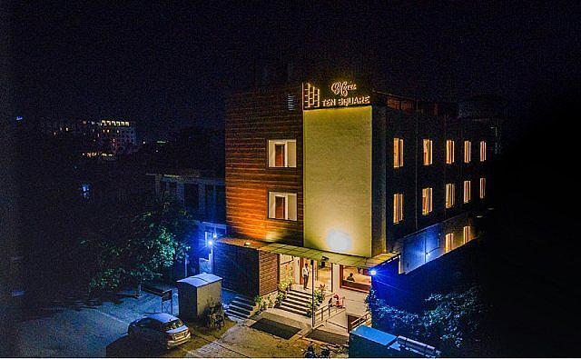 Hotel Ten Square