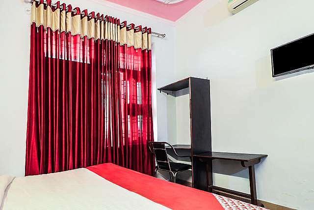 OYO 24228 Hotel Hans