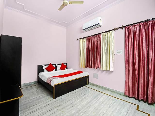 OYO 47164 Madhav Palace