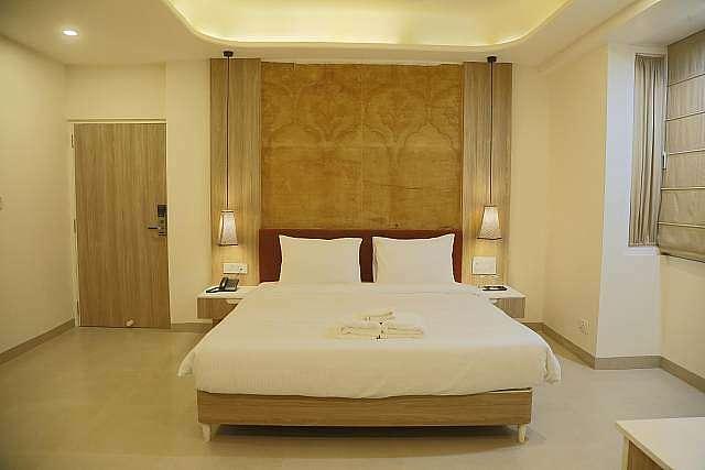 Hotel Ratangarh Palace