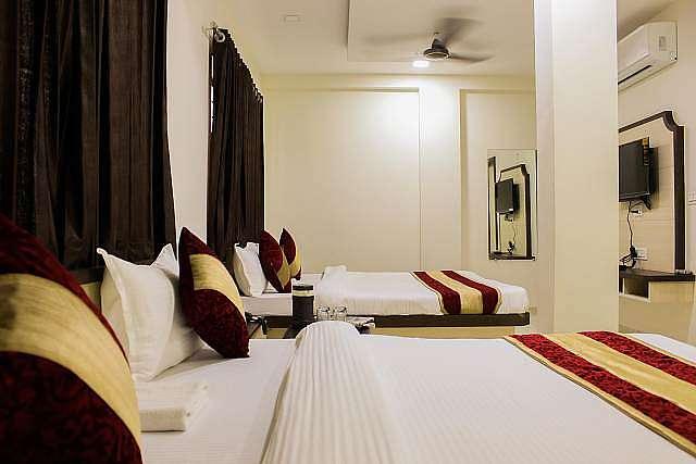 Hotel Girdhar