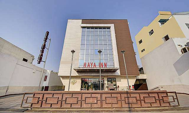 Hotel Raya Inn