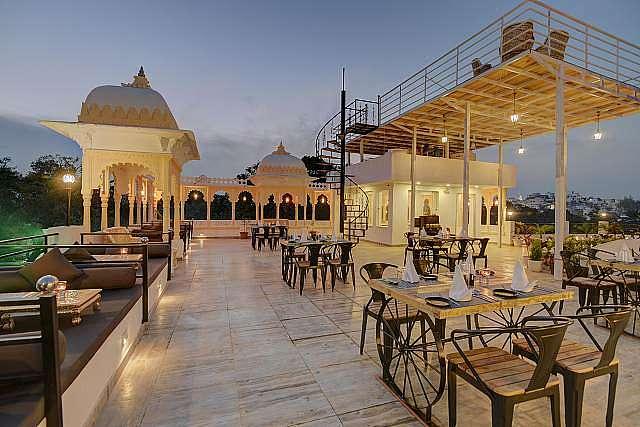 Hotel Janak Vilas