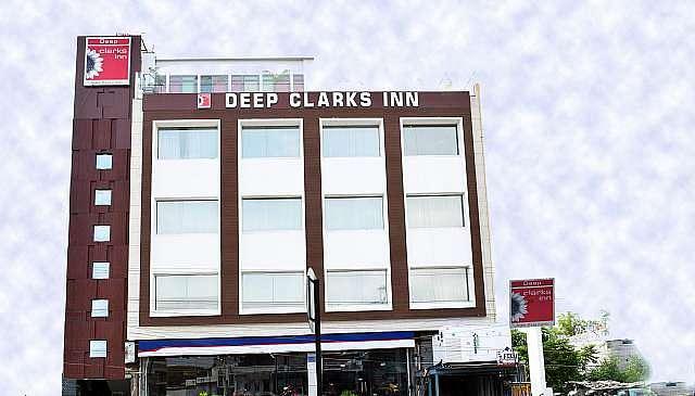 Deep Clarks Inn