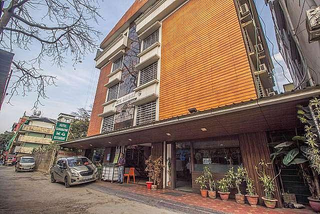 Capital O 28319 Hotel Ganayak