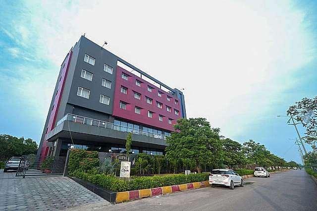 Comfort Hotel Vista Residency