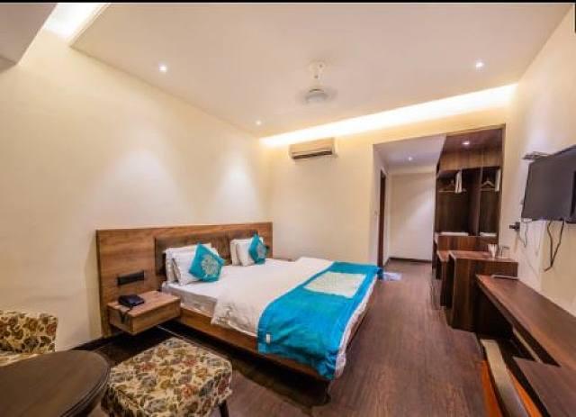Hotel Midtown Grand Zirakpur