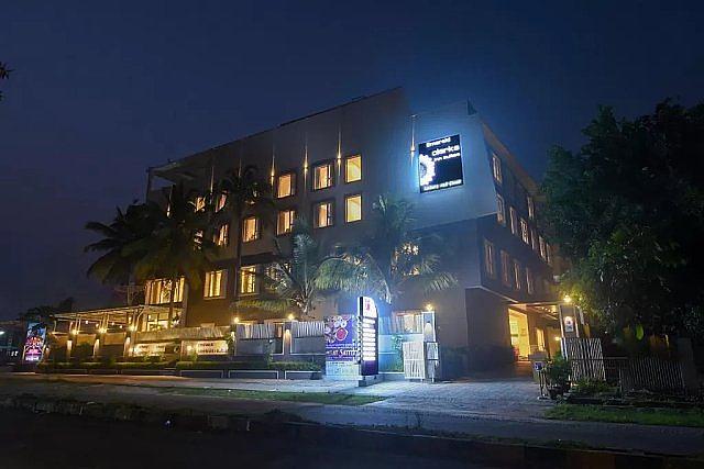 Emerald Clarks Inn Suites