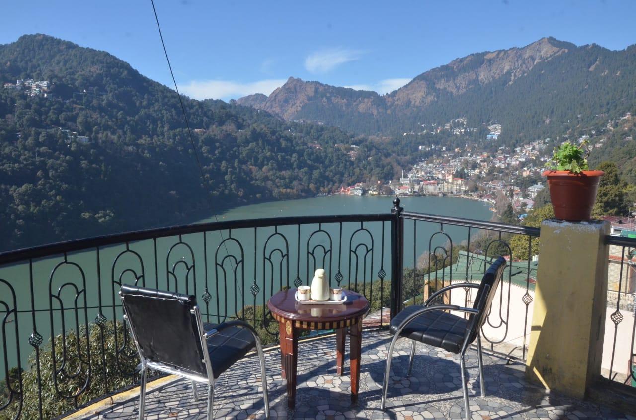 Nainital Willows-A Lake View Hotel