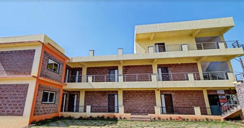 Aditya Hill View Inn