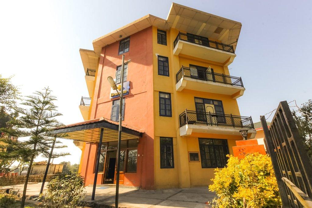 Hotel Isvara Inn