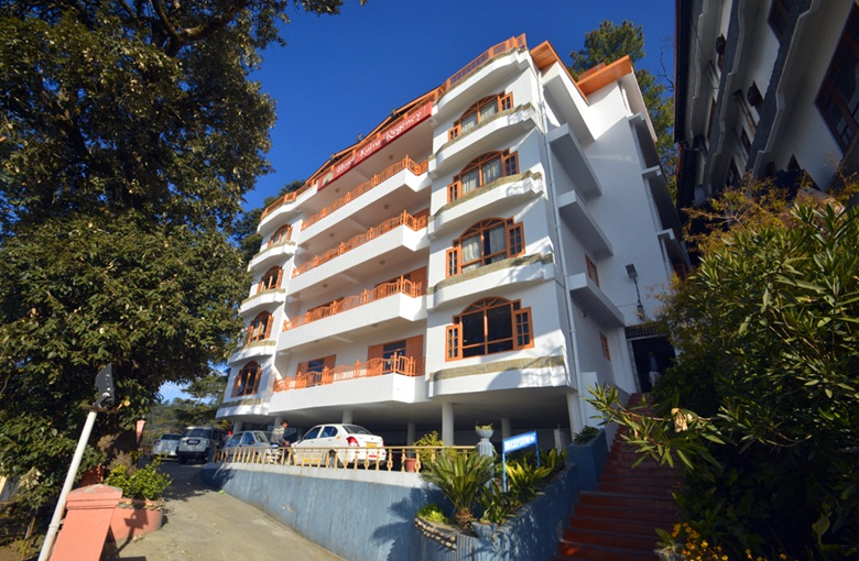 Hotel Kalra Regency