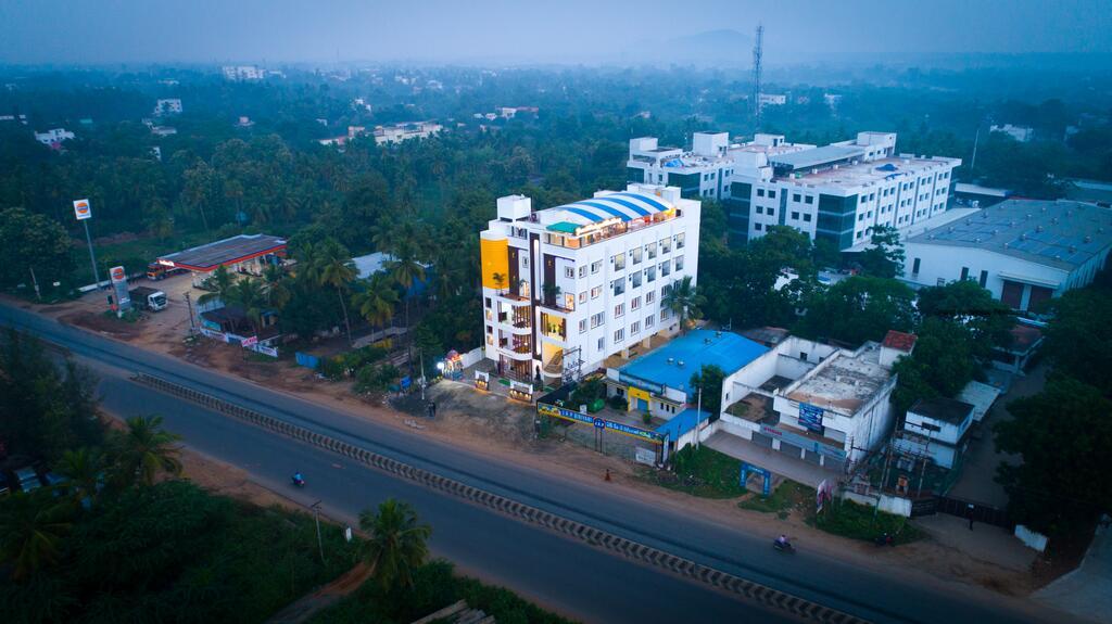 Hotel Grand Padappai Residency