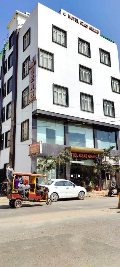 Hotel Ozas Grand