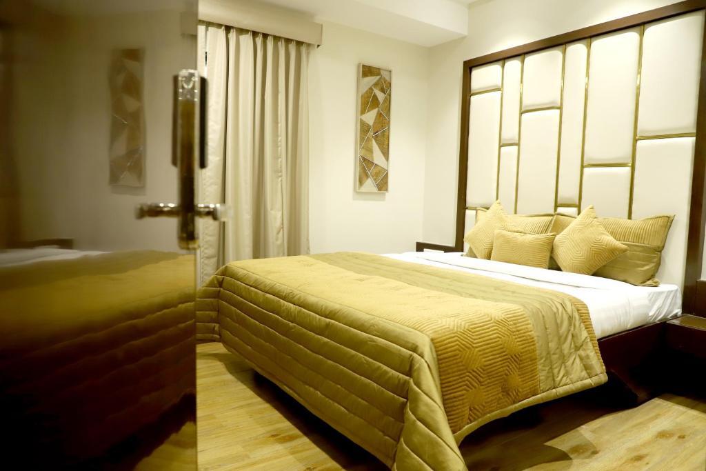 Hotel Grand Girdhar